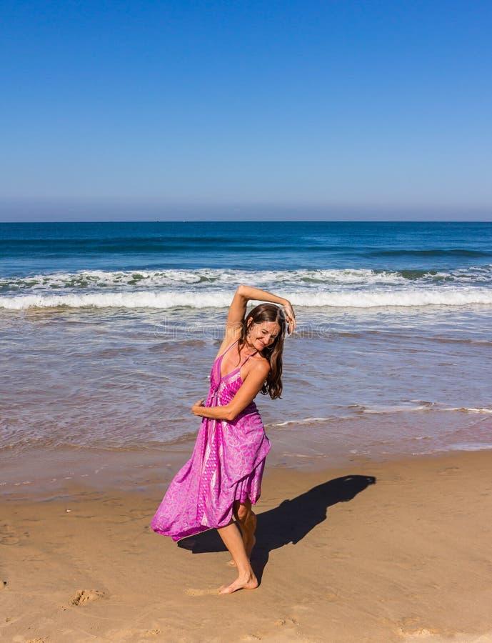 Χορός στην παραλία Goa στοκ φωτογραφία