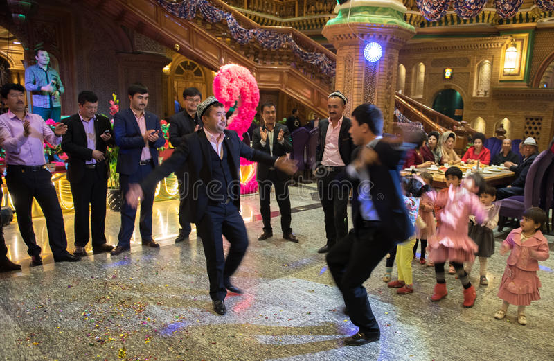 Χορός στη γαμήλια τελετή στοκ εικόνα