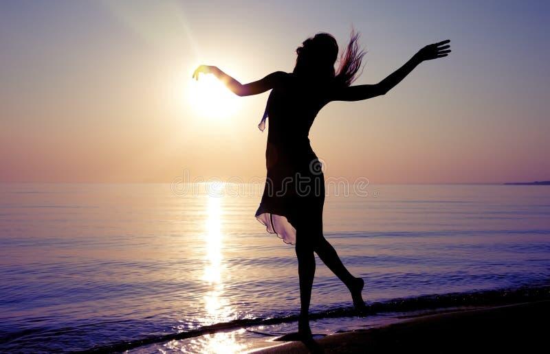 Χορός στη θάλασσα στοκ φωτογραφία με δικαίωμα ελεύθερης χρήσης