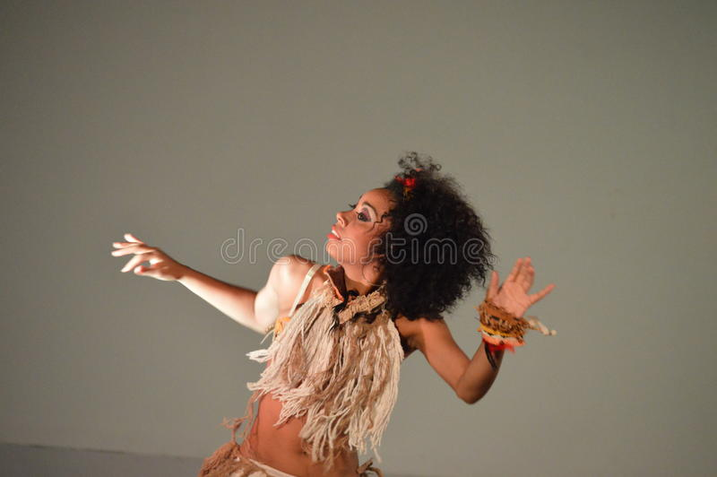 χορός φυλετικός στοκ φωτογραφίες με δικαίωμα ελεύθερης χρήσης