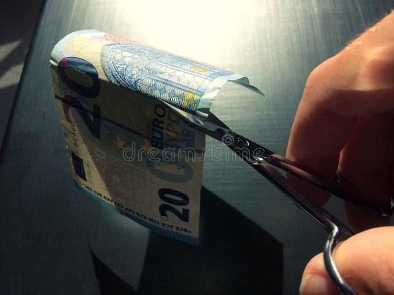 χρήματα αποκοπών στοκ φωτογραφία με δικαίωμα ελεύθερης χρήσης