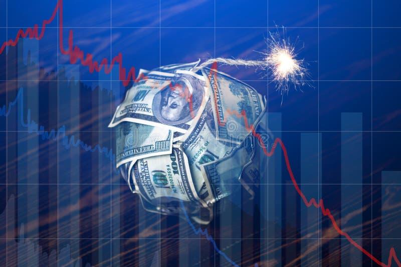 Χρήματα βομβών με ένα καίγοντας φυτίλι με τα διαγράμματα πτώσης στο μπλε υπόβαθρο Έκρηξη των αγορών επένδυσης o στοκ εικόνα