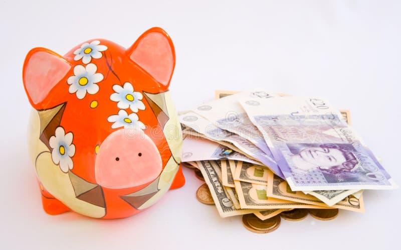χρήματα διακοπών τραπεζών piggy στοκ εικόνες με δικαίωμα ελεύθερης χρήσης