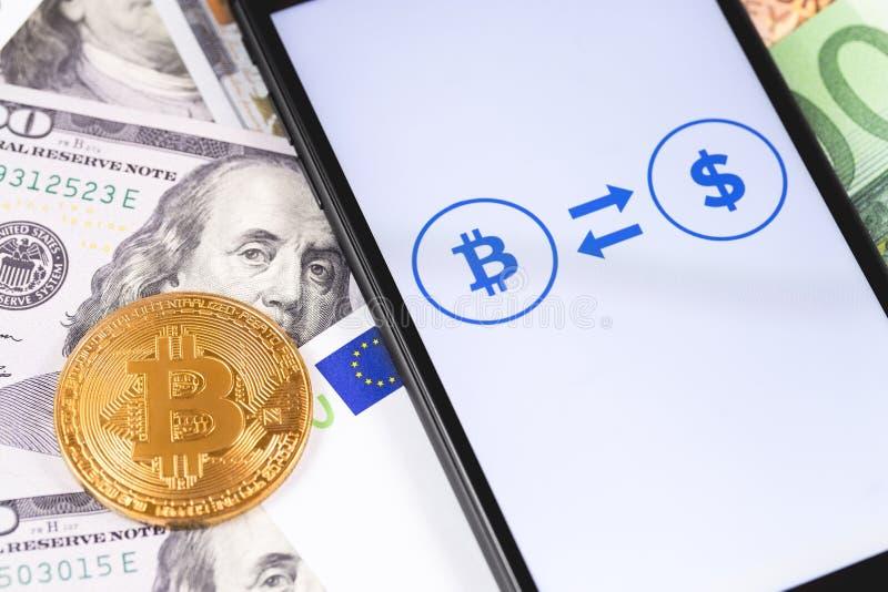 Χρήματα, bitcoin και ethereum Ανταλλάκτης Cryptocurrency στο smartphone οθόνης στοκ φωτογραφίες με δικαίωμα ελεύθερης χρήσης