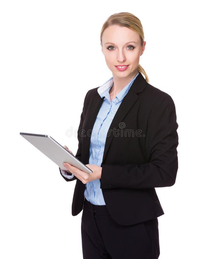 Χρήση επιχειρηματιών του ψηφιακού PC ταμπλετών στοκ φωτογραφία με δικαίωμα ελεύθερης χρήσης