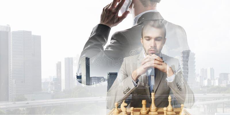 Χρειάζεται τη στρατηγική νίκης Μικτά μέσα στοκ εικόνες