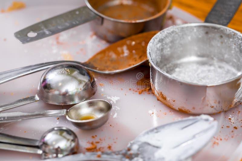 Χρησιμοποιημένα μαγειρεύοντας εργαλεία στοκ εικόνα με δικαίωμα ελεύθερης χρήσης