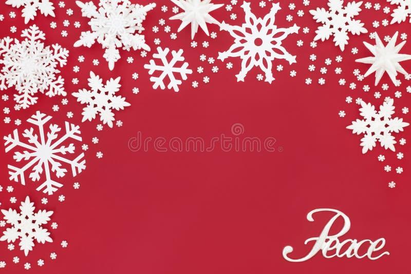Χριστουγέννων σημαδιών και Snowflake ειρήνης διακοσμήσεις στοκ εικόνες