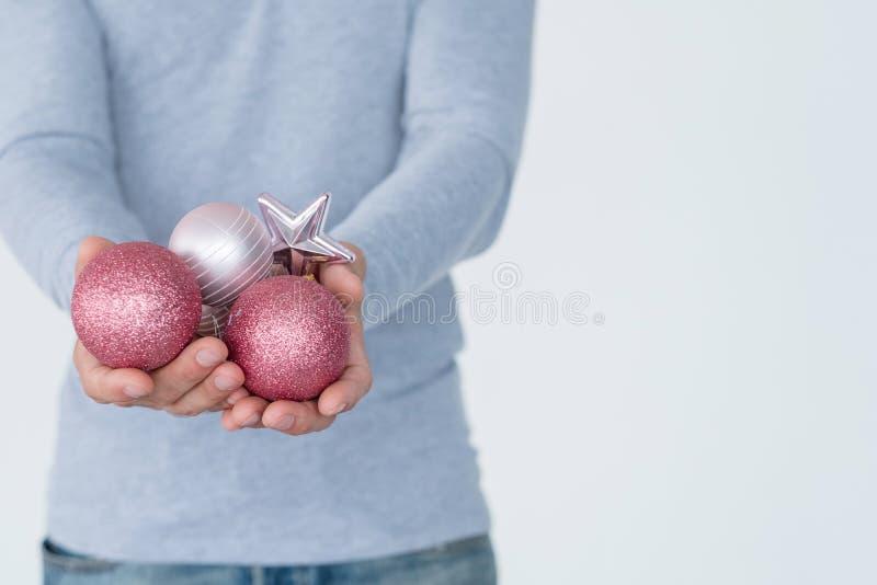 Χριστουγέννων σφαιρών εορταστικό ντεκόρ έτους διακοπών νέο στοκ εικόνα με δικαίωμα ελεύθερης χρήσης