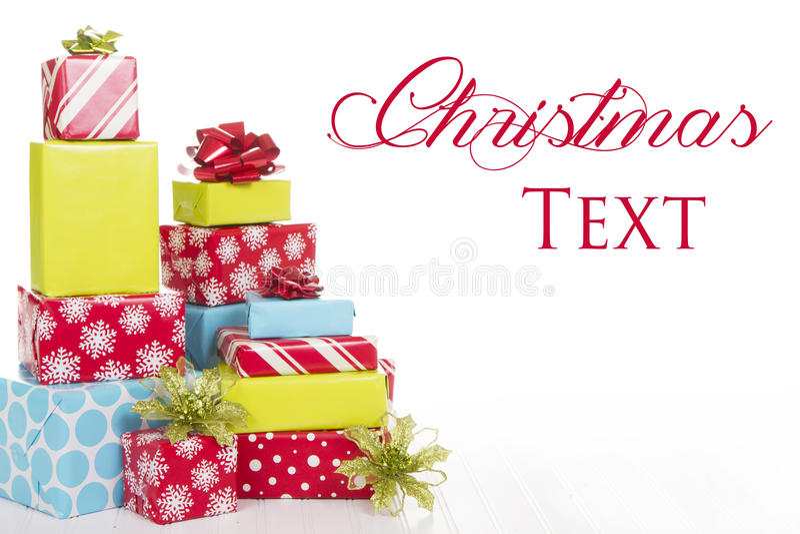 Χριστουγεννιάτικα δώρα που απομονώνονται στην άσπρη ανασκόπηση στοκ φωτογραφία με δικαίωμα ελεύθερης χρήσης