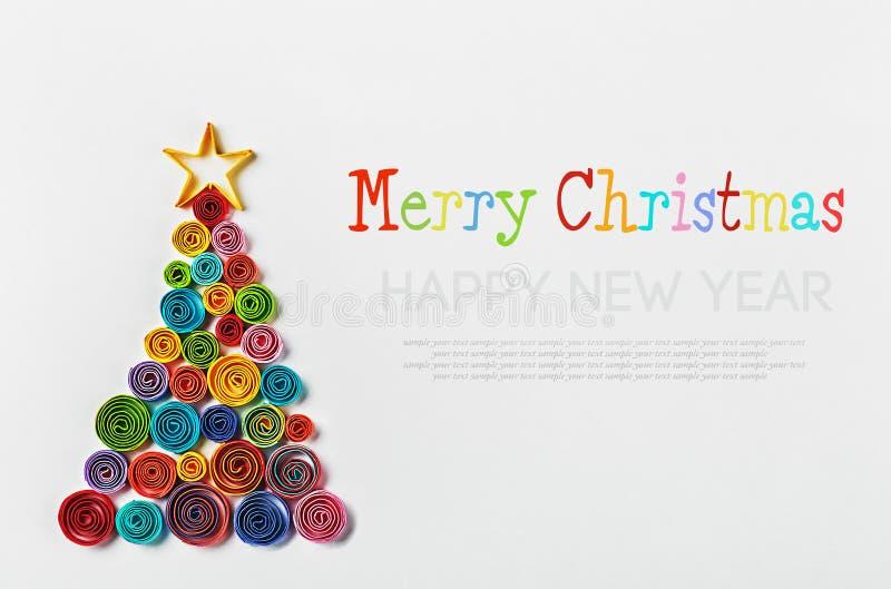 Χριστουγεννιάτικο δέντρο γίνοντα †‹â€ ‹του εγγράφου στοκ φωτογραφίες