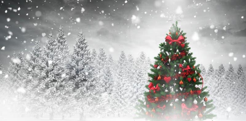 Χριστουγεννιάτικο δέντρο στο χιονώδες δάσος ελεύθερη απεικόνιση δικαιώματος