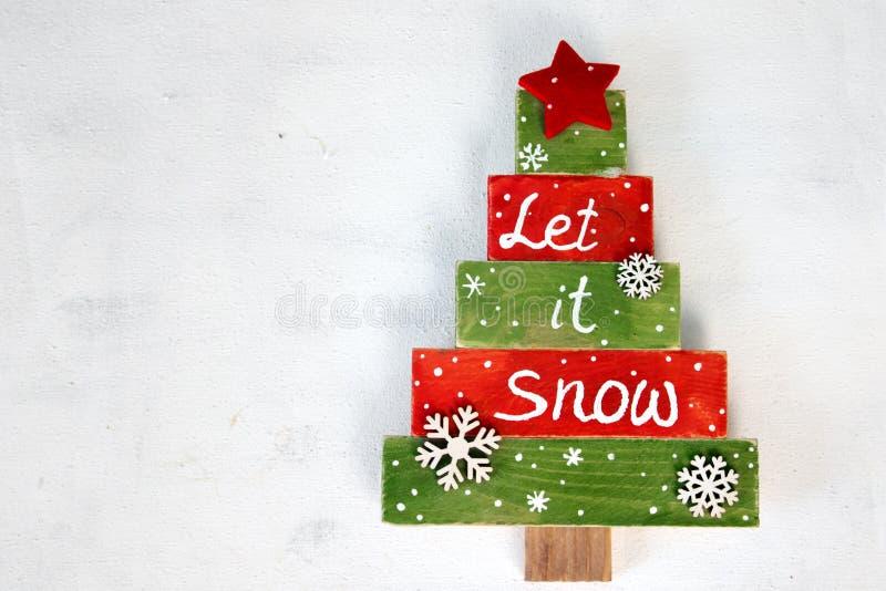 Χριστουγεννιάτικο δέντρο φιαγμένο από ξύλο στοκ φωτογραφίες