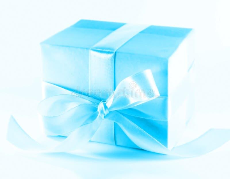 Download χριστουγεννιάτικο δώρο στοκ εικόνες. εικόνα από διακοπές - 1542144