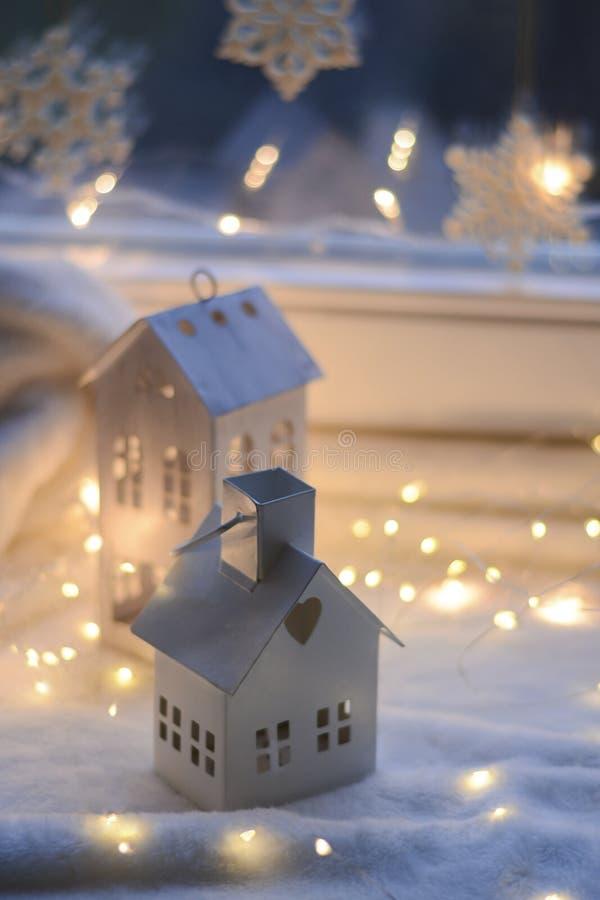 Χριστούγεννα και νέες δώρα και διακόσμηση έτους στοκ εικόνες