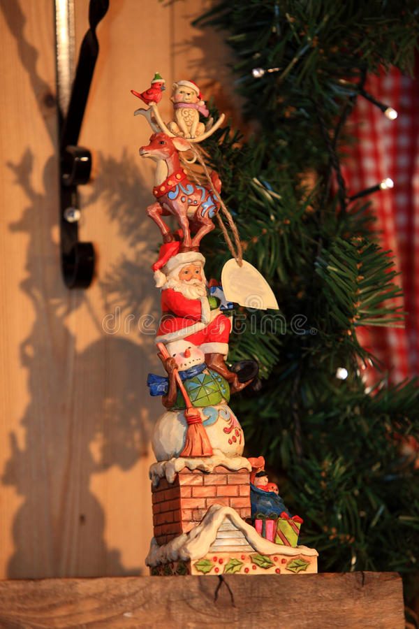 Χριστούγεννα και νέο παιχνίδι διακοσμήσεων έτους διακοσμητικό στο αναδρομικό ύφος στοκ εικόνα με δικαίωμα ελεύθερης χρήσης