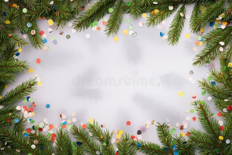 Χριστούγεννα και νέο υπόβαθρο έτους με το εορταστικό ντεκόρ στοκ εικόνες