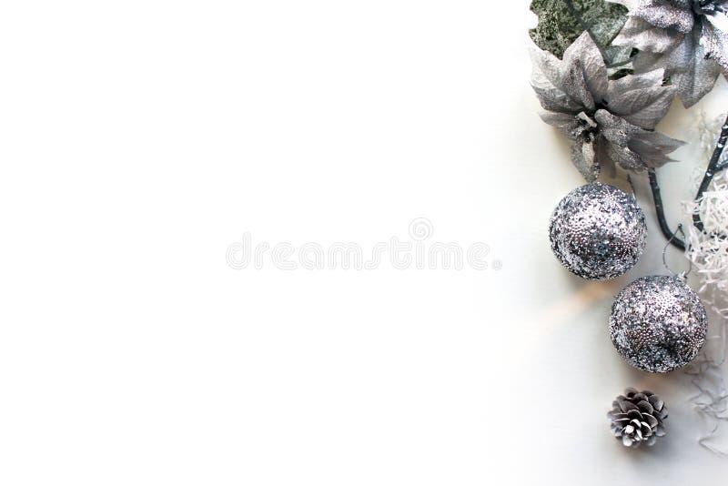 Χριστούγεννα, νέο πρότυπο έτους, άσπρη τοπ άποψη υποβάθρου στοκ εικόνα με δικαίωμα ελεύθερης χρήσης