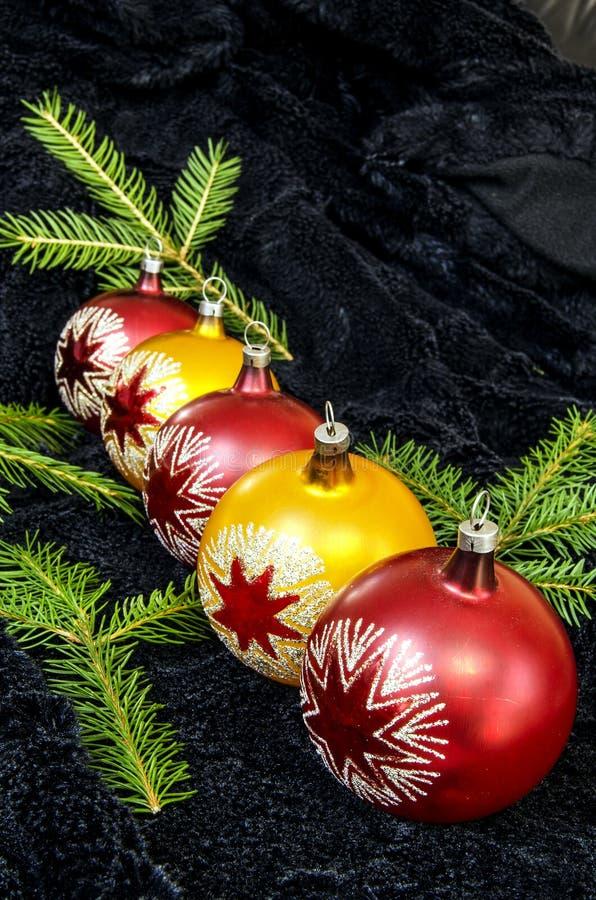 Χριστούγεννα πέντε σφαιρών στοκ φωτογραφία