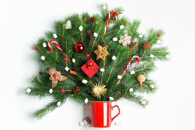 Χριστούγεννα στο φλυτζάνι ποτών μου δημιουργικής έννοιας κακάου στοκ εικόνα με δικαίωμα ελεύθερης χρήσης