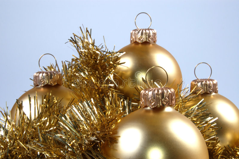 Download Χριστούγεννα σφαιρών στοκ εικόνες. εικόνα από εποχιακός - 390272