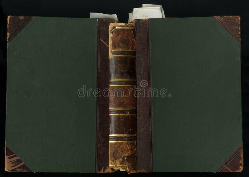 200χρονη κάλυψη βιβλίων δέρματος συνδεδεμένος στο δέρμα και το ύφασμα, με το σελιδοδείκτη στοκ φωτογραφία