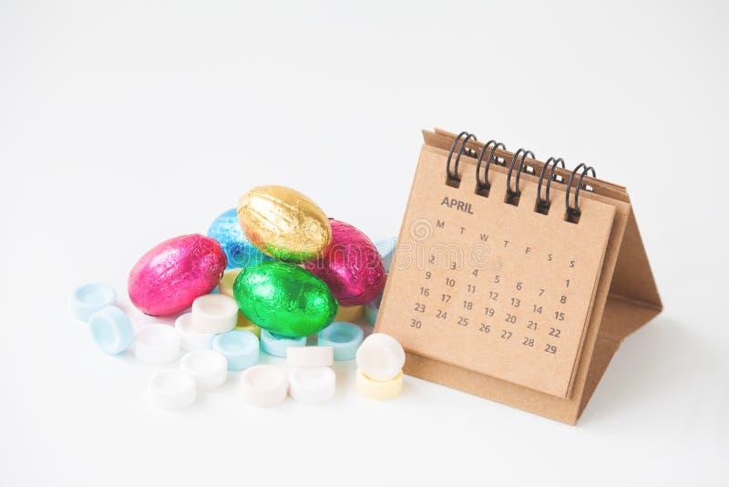 Χρονική έννοια Πάσχας με το ημερολόγιο στοκ φωτογραφία με δικαίωμα ελεύθερης χρήσης