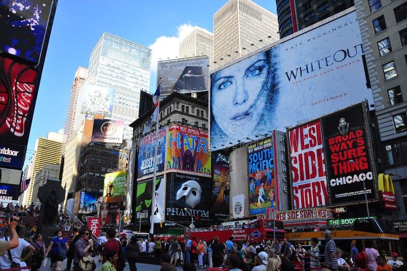 Χρονικοί τετραγωνικοί πίνακες διαφημίσεων στοκ φωτογραφία με δικαίωμα ελεύθερης χρήσης