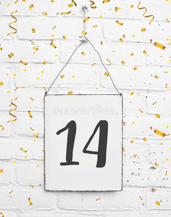 14 χρονών κάρτα γιορτών γενεθλίων με τον αριθμό δεκατέσσερα με το golde στοκ εικόνα με δικαίωμα ελεύθερης χρήσης