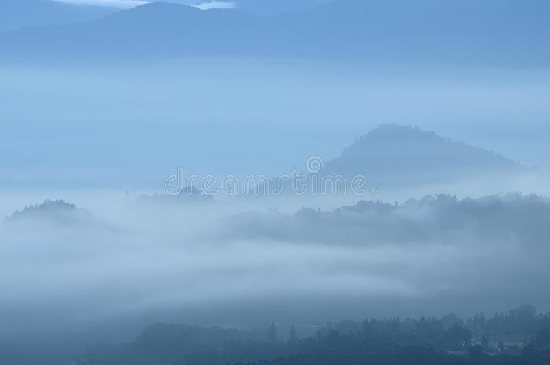 Χρυσά βουνά δράκων τοπίων της Ταϊβάν στοκ φωτογραφία