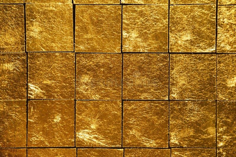 χρυσά κεραμίδια στοκ φωτογραφία