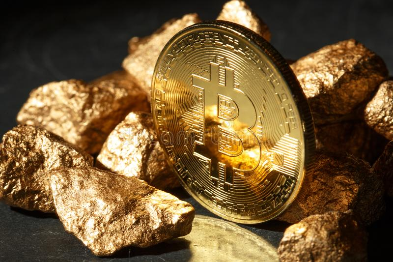 Χρυσά νόμισμα Bitcoin και ανάχωμα του χρυσού Cryptocurrency Bitcoin στοκ εικόνες