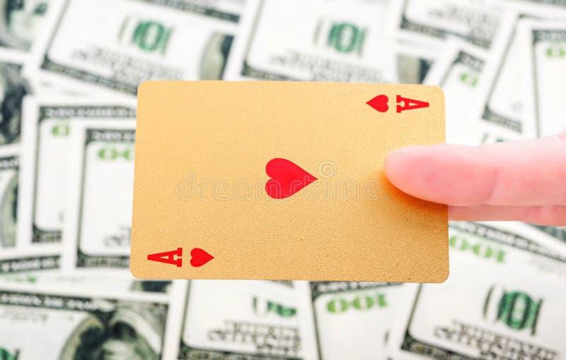 Χρυσές κάρτες πόκερ στοκ εικόνες