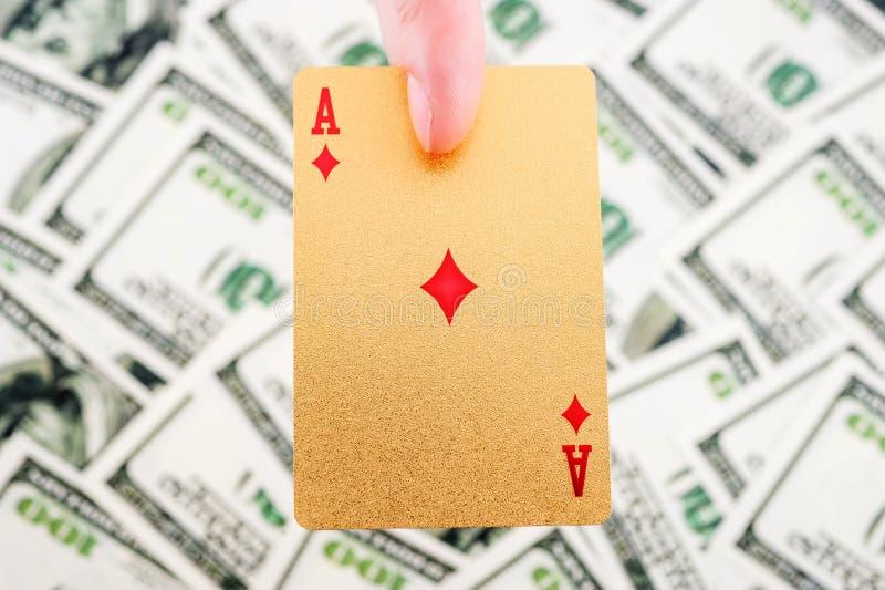 Χρυσές κάρτες πόκερ στοκ φωτογραφία με δικαίωμα ελεύθερης χρήσης
