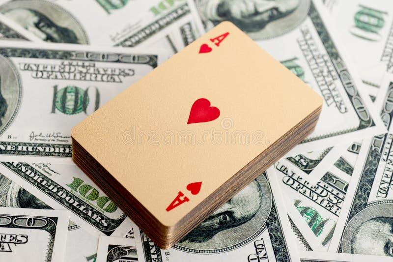 Χρυσές κάρτες πόκερ στοκ εικόνα με δικαίωμα ελεύθερης χρήσης