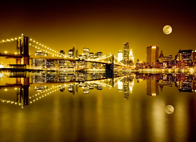 Χρυσές Νέα Υόρκη και γέφυρα του Μπρούκλιν στοκ εικόνες