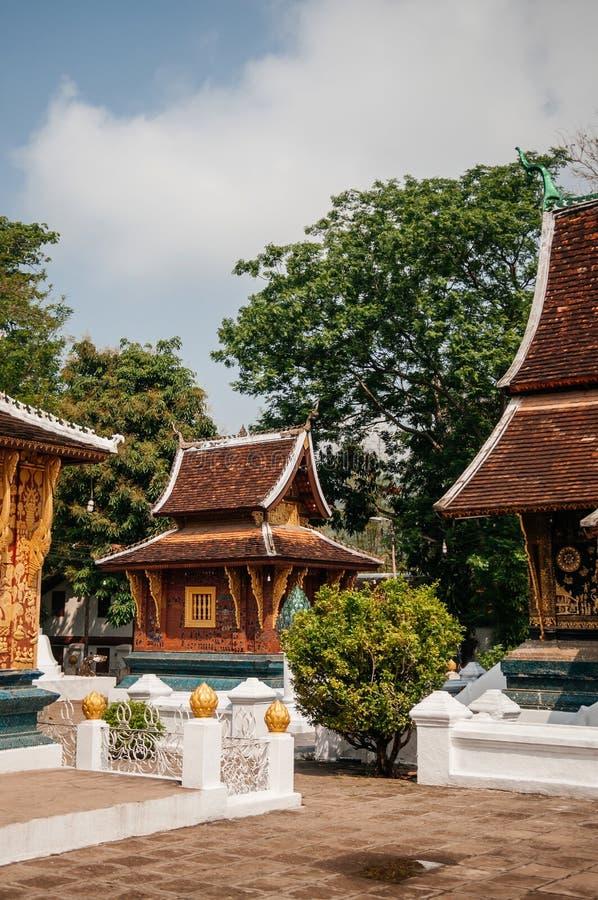 Χρυσή αίθουσα του Βούδα στο λουρί Wat Xieng, Luang Prabang - Λάος στοκ φωτογραφία με δικαίωμα ελεύθερης χρήσης
