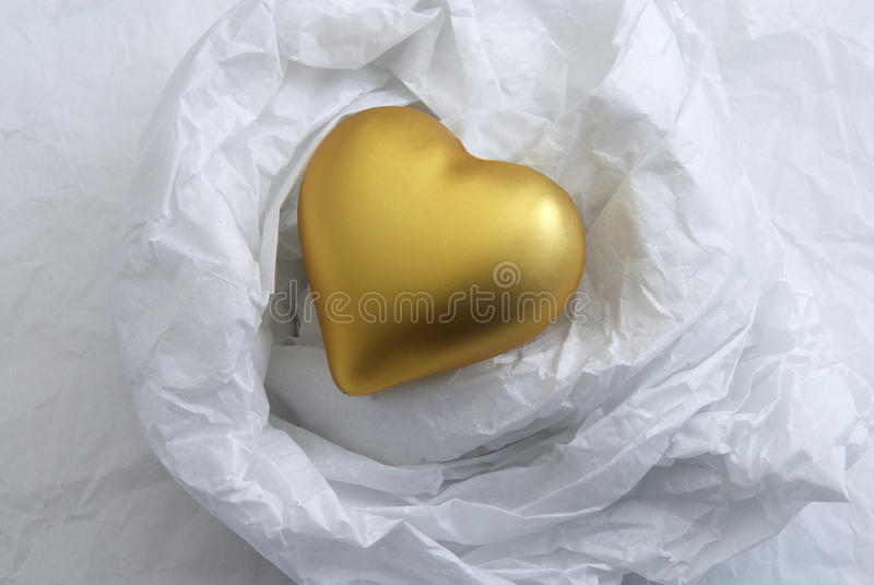 χρυσή καρδιά στοκ εικόνα