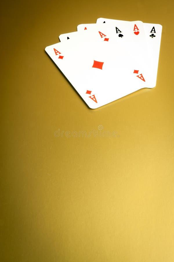 χρυσή νίκη πόκερ στοκ εικόνα με δικαίωμα ελεύθερης χρήσης