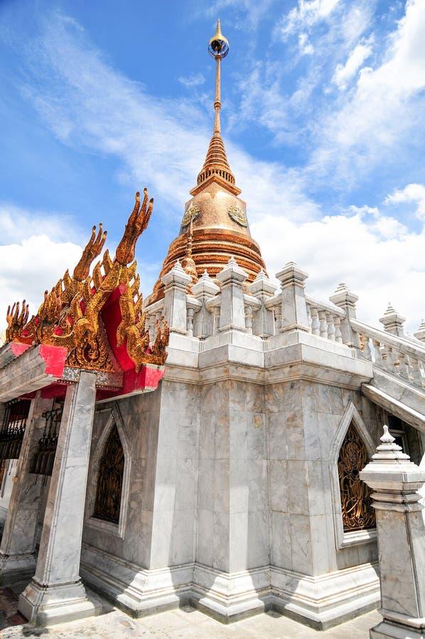 Χρυσή παγόδα στη Μπανγκόκ Ταϊλάνδη στοκ εικόνες