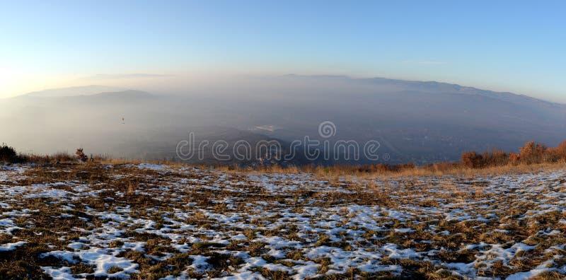 Χρυσή ώρα από την κορυφή λόφων στοκ φωτογραφία με δικαίωμα ελεύθερης χρήσης