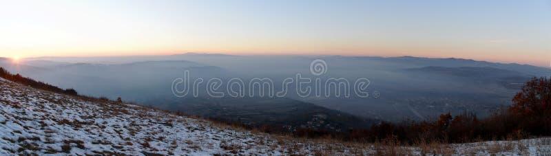 Χρυσή ώρα από την κορυφή λόφων στοκ φωτογραφίες