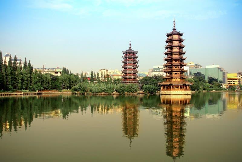 χρυσός ασημένιος πύργος &lambda στοκ φωτογραφία με δικαίωμα ελεύθερης χρήσης