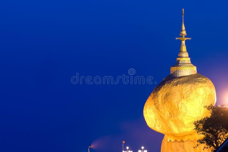 χρυσός βράχος της Myanmar στοκ εικόνες
