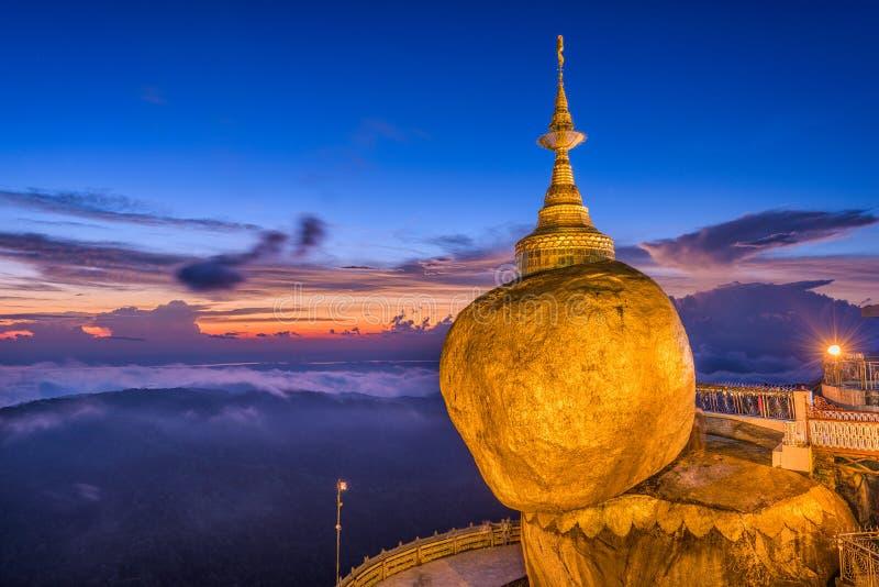 Χρυσός βράχος το Μιανμάρ στοκ εικόνα με δικαίωμα ελεύθερης χρήσης