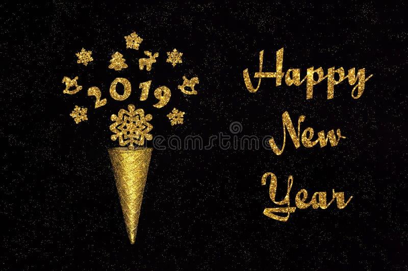 Χρυσός κώνος βαφλών καλής χρονιάς κειμένων με τα σχήματα 2019 στοκ φωτογραφία