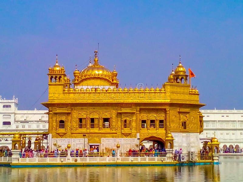Χρυσός Ναός σε πλήρη θέα στο Αμριτσάρ της Ινδίας, Φανταστικός Χρυσός Ναός του Σιχ Γκουρουδάρα στοκ φωτογραφίες