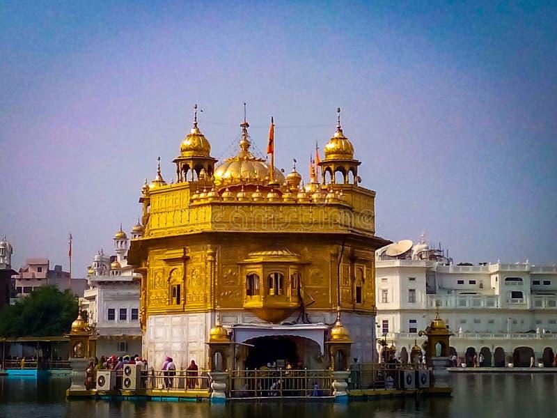Χρυσός Ναός σε πλήρη θέα στο Αμριτσάρ της Ινδίας, Φανταστικός Χρυσός Ναός του Σιχ Γκουρουδάρα στοκ φωτογραφία με δικαίωμα ελεύθερης χρήσης
