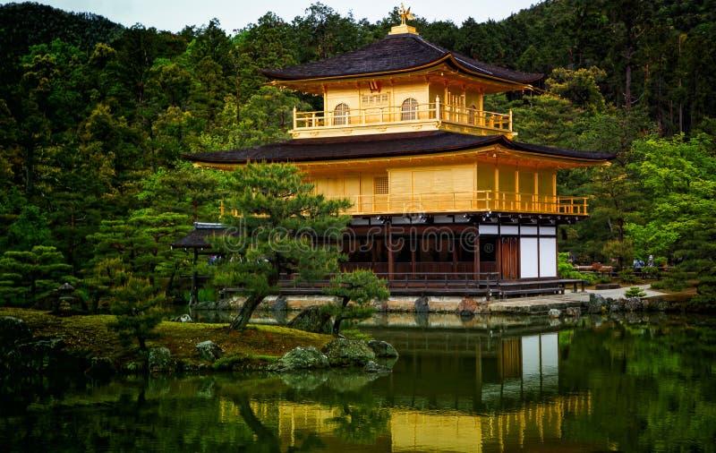 Χρυσός ναός του Κιότο Ιαπωνία Kinkaku ji στοκ φωτογραφία με δικαίωμα ελεύθερης χρήσης