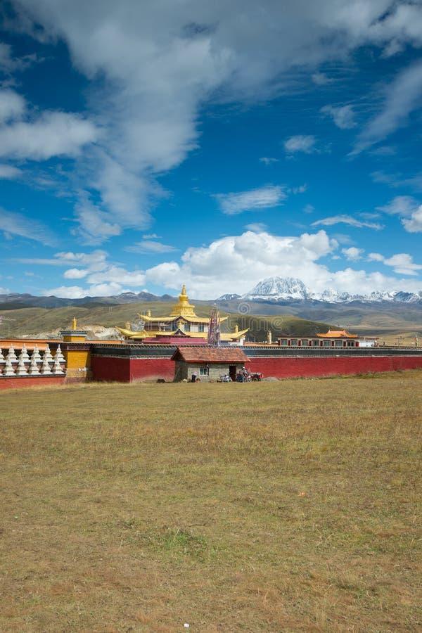 χρυσός ναός χιονιού βουνώ&nu στοκ φωτογραφία με δικαίωμα ελεύθερης χρήσης